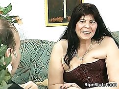 Busty mom plays with horny chubby tgirl