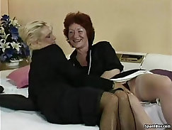 Cute lesbian masseuse toying suck pussy with strapon