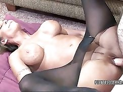 mature slut with nice forms gets rough dicking