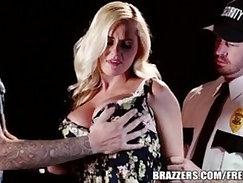 Ava Taylor, Vanessa Veracruz, Tony Marco in The Stripper scene