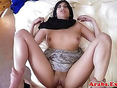 Muslim amateur gives her head before pounding