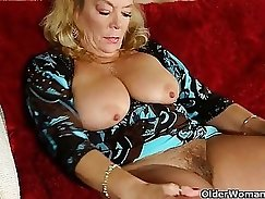 Amateur MILF fucked at home in a wet