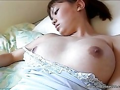 Bitch has sex on camera in exciting solo action