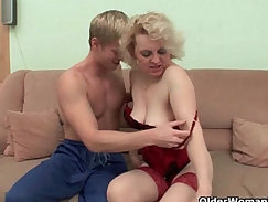 Chubby granny pussyfucked and jizzed in mouth